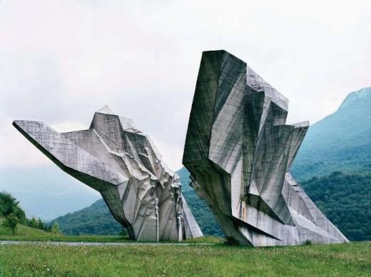 spomeniks stor