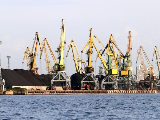 Riga_port_cran
