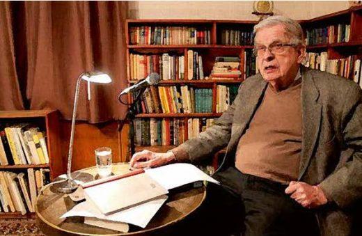 Tomas Venclova reading his poetry in the memorial library in the museum of the Venclova Family in Vilnius